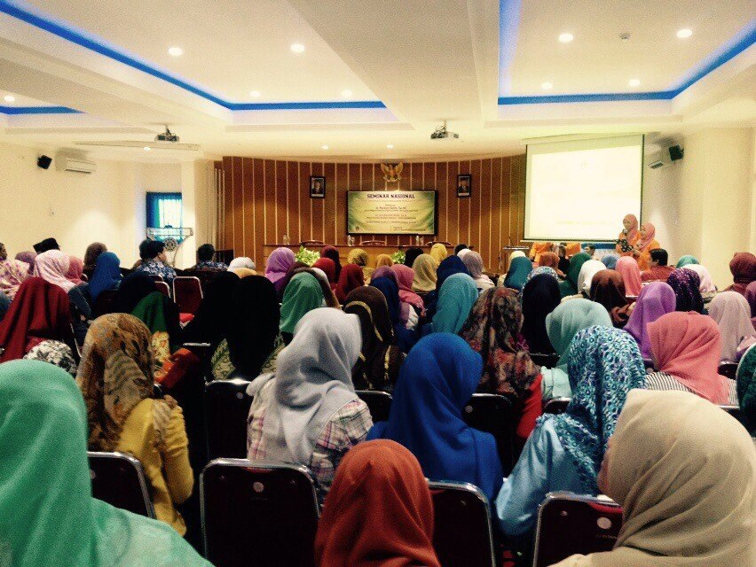 Antusias Peserta Mengikuti Seminar Nasional Disleksia